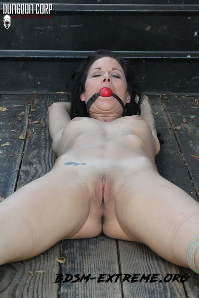 Truck Tied and Cumming With Sadie Dawson (2020/HD) [PerfectSlave]