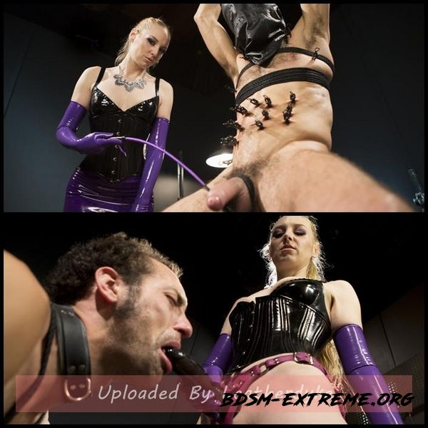 Svelte Blonde Delirious Hunter Punishes and Fucks Buttslut Slave (2020/HD)