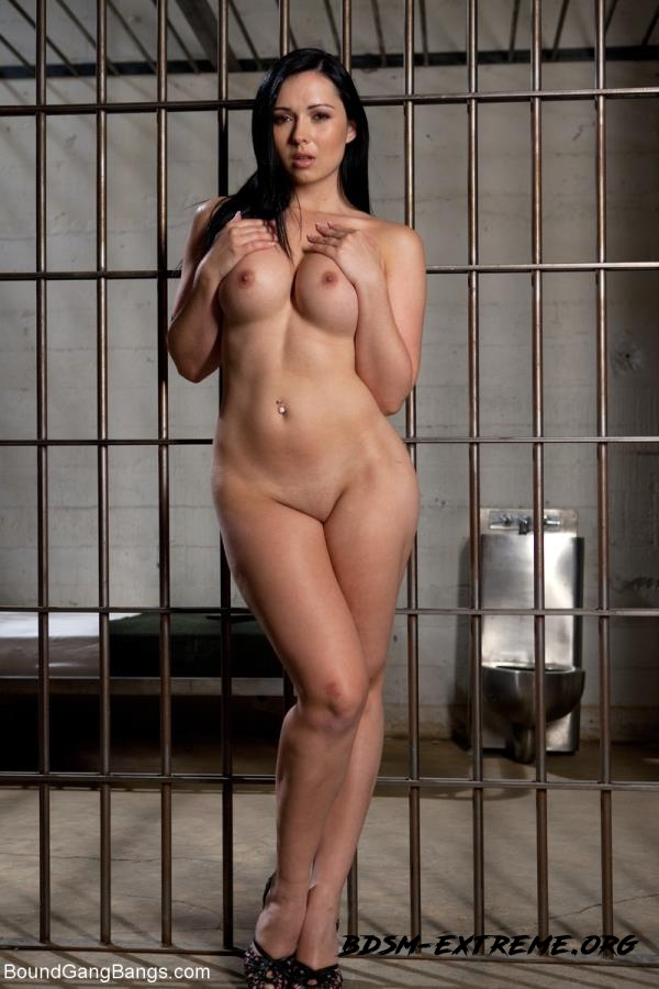 French Hottie gets pounded by 5 prison guards With Angell Summers (2012/HD) [Kink]