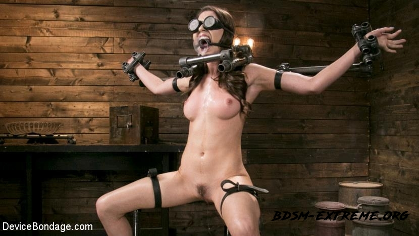 Newcomer Melissa Moore Submits to Screaming Bondage With Melissa Moore (2017/HD) [DeviceBondage]
