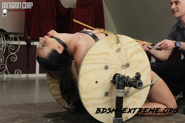 Cumming on the Spool With Wenona Slave (2020/HD) [Strict Restraint]
