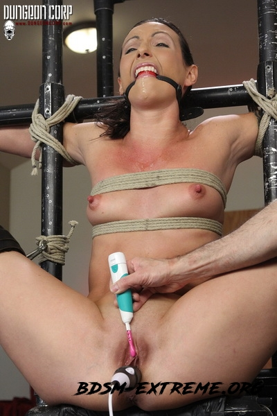 Split and Tortured With Wenona Slave (2020/HD) [Strict Restraint]